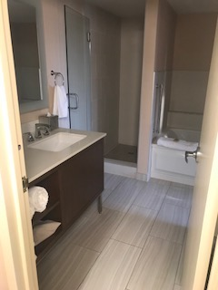 Hilton-bathroom