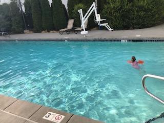 Hilton-pool-Summer